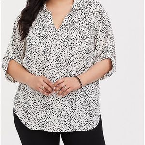 Torrid ivory star georgette button- down blouse